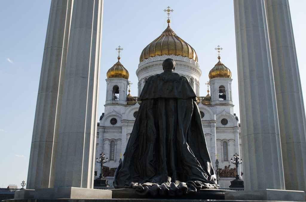 Памятник императору Александру II_2